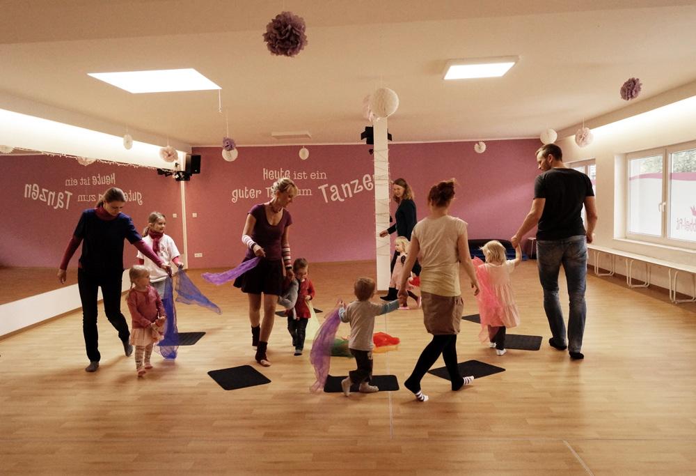 Mama Kind Tanzen Fit für 2